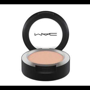 MAC Powder Kiss Eyeshadow: Best of Me